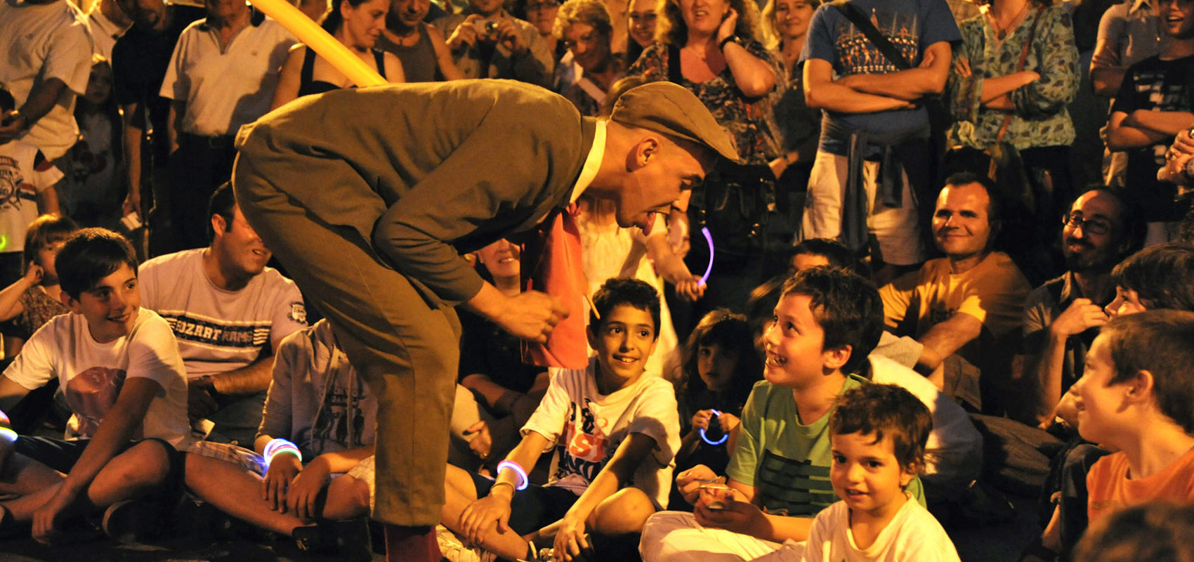 dario el becchin clown marionette spettacolo spring shopping festival le nuove vie gorizia